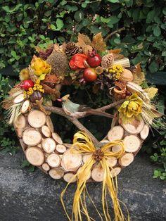 Podzimní s ptáčkem II / Zboží prodejce vera dekor Fall Crafts For Adults, Deco Wreaths, Fall Arrangements, Christmas Wreaths, Christmas Ornaments, Crepe Paper Flowers, Deco Floral, Grapevine Wreath, Autumn Leaves