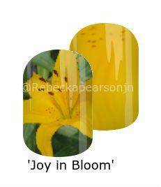 https://www.jamberry.com/us/en/shop/products/nas-1375827 #yellow #floral #garden #lilies #petal #momgarden #mixedmani #nas #nailart #jamberry #rebeckapearsonjn