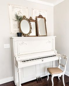Painted Pianos, Painted Furniture, Grand Piano Room, Baby Grand Pianos, Furniture Painting Techniques, Favorite Paint Colors, Distressed Painting, Mineral Paint, French Farmhouse