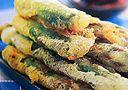 El témpura es una receta tradicional de la cocina japonesa, fácil y rápido de hacer, que se sirve como acompañante, o acompañada de arroz banco, con salsas al gusto.