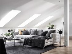 Beautiful: a Scandinavian interior that combines gray with wood Scandinavian Comfy Scandinavian Living Room Decoration Ideas «Home Decoration # comfy for . Scandinavian Interior Design, Scandinavian Living, Room Interior Design, Living Room Designs, Living Room Decor, Living Spaces, Minimalist Interior, Home Decor, Couches