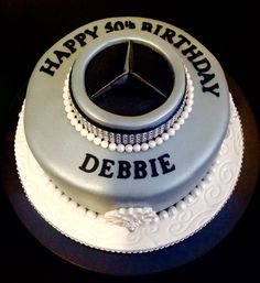 Image gallery mercedes benz cake for Mercedes benz cake design