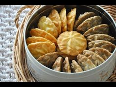Butter Cookies | 酥掉渣曲奇饼干(咖啡&原味)~ - YouTube Coffee Biscuits, Apple Pie, Snack Recipes, Chips, Make It Yourself, Cookies, Sweet, Desserts, Food