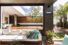 RMJ Residence by Felipe Bueno and Alexandre Bueno