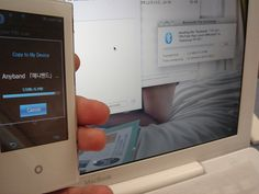 Samsung p2 receiving file from MacBook, bluetooth trasfer.    Upgraded from US 1.15 (mtp) to latest KR 4.05b (ums). Now I drag and drop files on OS X into the Samsung P2.    Video conversion using quicktime+flip4mac wmv standard.     http://hc.com.vn  http://hc.com.vn/vien-thong  http://hc.com.vn/vien-thong/dien-thoai-di-dong.html
