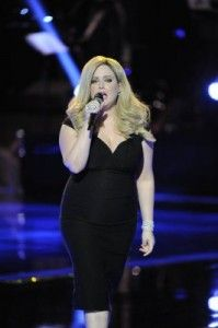 She will never stop trying to be Adele. Exhibit A: refusal to take off Adele wig. - TheVoice Recap