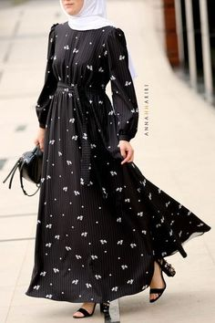 Lugain Modest Dress islamic clothing stores modern islamic clothing muslim clothing stores abaya for sale islamic clothes thobes for sale Modern Islamic Clothing, Dress Muslim Modern, Muslim Dress, Modest Outfits Muslim, Stylish Dresses, Casual Dresses, Fashion Dresses, Long Dresses, Maxi Dresses