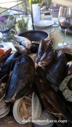 Pulmay o curanto en olla. Plato típico de Chile.