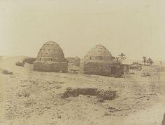 1849-1850 - Herment : tombeaux. Photographe : Maxime Du Camp