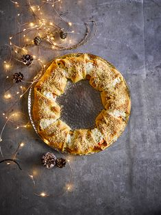 Christmas Food Treats, Wreaths, Halloween, Ricotta, Appetizer, Foodies, Vegan, Recipes, Decor