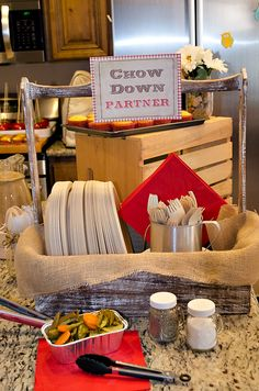 {Outlaw Hoedown} Western Themed Birthday Party: Cutleries & plates display