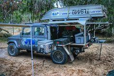 Land Rover Defender 130 Camping.
