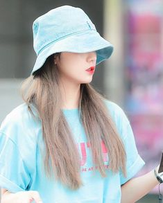 South Korean Girls, Korean Girl Groups, Bias Kpop, Pretty Asian, Airport Style, Fashion Quotes, New Girl, Role Models, Kpop Girls