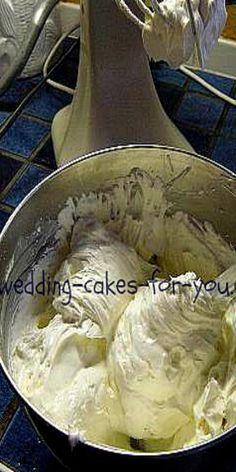 Wedding Cake Frosting, Cake Frosting Recipe, Frosting Recipes, Cake Recipes, Buttercream Frosting, Italian Buttercream, Meringue Powder Frosting Recipe, Fondant Recipes, Meringue Frosting