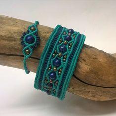 Jewelry Knots, Beaded Jewelry, Jewellery, Macrame Bracelets, Jewelry Bracelets, Boho Diy, Micro Macrame, Hobbies And Crafts, Diy Clothes