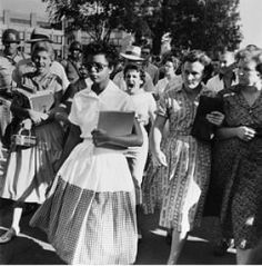 Teaching Tolerance. Amazing resource for teachers, students, administrators, parents to bring awareness to social justice issues in & out of the classroom.  This is a social studies lesson that could be modified for the art classroom to learn about both art and racism with students using photography.