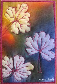 Mary & Patch: My creative space Sun prints in fabric Sun Painting, Fabric Painting, Fabric Art, Gees Bend Quilts, Sun Prints, Leaf Prints, Creative Textiles, Fabric Postcards, Flower Quilts