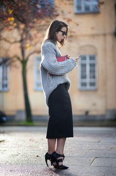 30 Perfect Oversized Sweater Outfit Ideas - gray knit sweater worn with a black pencil skirt and sexy black heels