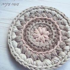 צבע זמני... #עושהעיניים #סריגה #חוטיטריקו #crochet #crochetrug #WIP #trapillo #crocheting #crochetlove #tshirtyarn #tshirtyarnrug Crochet Home Decor, Diy Crochet, Crochet Doilies, Crochet Stitches, Crochet Patterns, Crochet Carpet, How To Purl Knit, T Shirt Yarn, Merino Wool Blanket