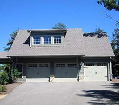 One bedroom garage apartment over two car garage plan for 2 and a half car garage dimensions