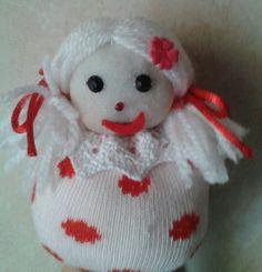 Bambolina fatta con calzini