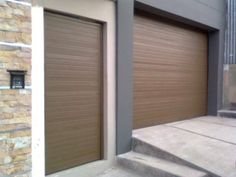 Estilo Lineal | PORTONES ELECTRICOS Blinds, Garage Doors, Sweet Home, Windows, Curtains, Outdoor Decor, Home Decor, Door Swag, Houses