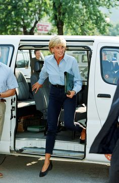 Princess Diana promoting the Landmine Survivors Network in Bosnia in August 1997.