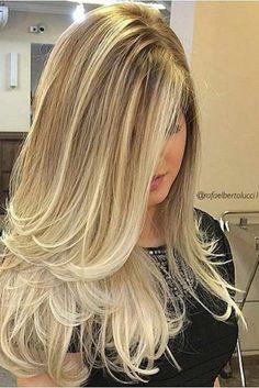 Blond Hair Color Ideas : Long Blonde Ombre Hair - Looks Magazine Long Hair Cuts, Long Hair Styles, Short Cuts, Short Hair, Lange Blonde, Long Layered Haircuts, Ombre Hair Color, Blonde Highlights, Hair Lengths