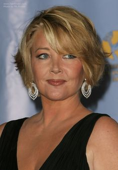 Melody Thomas Scott wearing her hair short with layers Short Hairstyles Over 50, Mom Hairstyles, Classic Hairstyles, Pretty Hairstyles, Haircuts, Medium Short Hair, Short Hair With Layers, Short Hair Over 50, Hair Styles For Women Over 50