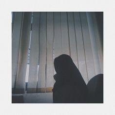 Shadow Pictures, Bff Pictures, Hijab Casual, Girl Hijab, Muslim Girls, Beautiful Hijab, Ulzzang Girl, Hijab Fashion, Cute Girls