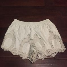 White lace / croquet shorts these are super cute for summer and winter! only been worn once Forever 21 Shorts
