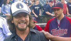 Minnesota Twins: Eddie Vedder visits again
