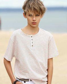 William with White T-Shirt Cute 13 Year Old Boys, Young Cute Boys, Cute Teenage Boys, Teen Boys, Beautiful Children, Beautiful Boys, Pretty Boys, William Franklyn Miller, Beauty Of Boys
