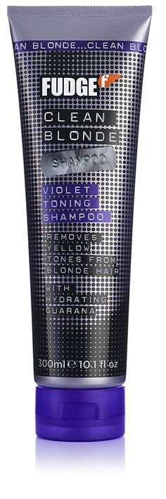 Fudge Clean Blonde Violet Toning A neutralising blonde shampoo. Hair Shampoo that removes unwanted yellow and brassy tones from blonde hair. Lila Shampoo, Violet Shampoo, Best Toning Shampoo, Pixie Hairstyles, Cool Hairstyles, Celebrity Hairstyles, Fudge Hair, Ash Hair Toner, Colors
