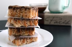Salted Caramel & Nutella Rice Krispie Treats    These need to get into my mouth RIGHT NOW!