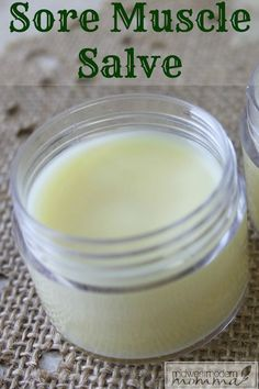 DIY Sore Muscle Salve ~ A great homemade muscle rub using essential oils is an ideal way to ease your pain while utilizing natural ingredients. Instead of putting harsh chemicals on your skin, whip up a batch of this DIY sore muscle salve to have on hand! Herbal Remedies, Health Remedies, Natural Excema Remedies, Natural Remedies For Migraines, Natural Beauty Remedies, Eczema Remedies, Holistic Remedies, Doterra, Essential Oil Blends