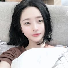 5 Rockin' Short Hairstyles to Try this Season – Model Hairstyles Son Hwamin, Korean Girl, Asian Girl, Hwa Min, Uzzlang Girl, Very Short Hair, Asian Cute, Foto E Video, Hair Lengths