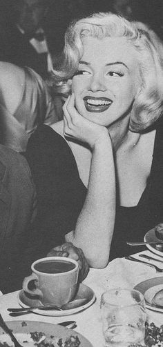 Marilyn at the Redbook Magazine Awards, February 1953.