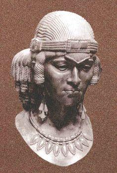 Assyrian Staues in Museums: Sumuramat (Shamiram) Assyrian Queen,805-801 BC