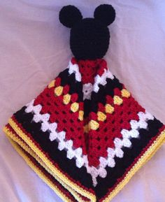 Mickey Mouse Lovey (security blanket) This would be a great thing for Kallie maybe Minnie Mouse colors!