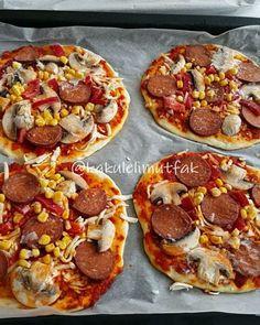 """11b Beğenme, 200 Yorum - Instagram'da Kakuleli Mutfak (@kakulelimutfak): """"Pizza severler bu tarifi kacirmayin😄Yapanlardan cok guzel dönüşler aldigim bereketli bir tarif😍 Bu…"""""""