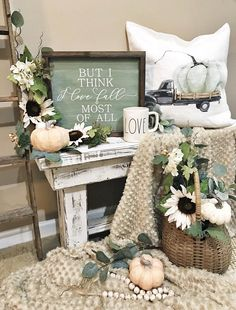 Inspiring Farmhouse Fall Decor To Brighten Your Day Dream Houses Inspiring Farmhouse Fall makes it easy to make a table for your farmhouse garden. This would be a special table for the fall, to complete the look of . Fall Home Decor, Autumn Home, Rustic Decor, Farmhouse Decor, Farmhouse Garden, Halloween, Autumn Decorating, Decorating Ideas, Decor Ideas
