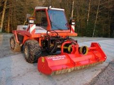 Here come a new section on Agriaffaires ... for the Slope tractors ... if you want to have a look at our ads or see more pics, come have a look here on http://www.agriaffaires.co.uk/used/1/slope-tractor.html