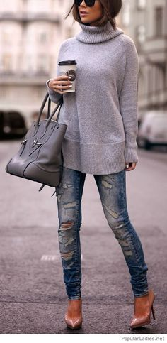 simple-jeans-and-a-long-grey-sweater-for-street