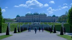 """See 3506 photos and 279 tips from 23904 visitors to Oberes Belvedere. """"Beautiful palace with fountains and garden in front of it. Baroque Architecture, Four Square, Palace, Castle, Louvre, Building, Travel, Beautiful, Buildings"""