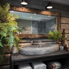 Bathroom inspiration of the day . Rustic Bathroom Designs, Bathroom Interior Design, Industrial Bedroom Design, Rustic Bathroom Vanities, Rustic Bathrooms, Modern Bathroom Design, Design Kitchen, Interior Design Magazine, Dream Bathrooms