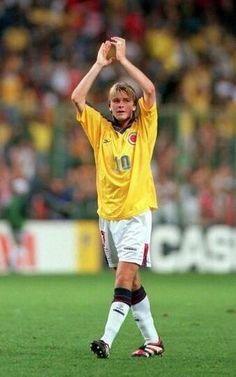 David Beckham de joven con la camiseta 10 de Colombia