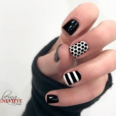 Simple and classic black & white nail art design that will help your manicure match any outfit! White Short Nails, Black And White Nail Art, Black Nails, Black And White Nail Designs, Short Square Nails, Easy Nail Art, Perfect Nails, Nail Polish Colors, Winter Nails