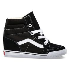 Vans / trends / Mix it up with Lace: Sk8-Hi Wedge