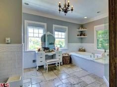 Katherine Heigl's Los Angeles Home: Master Bathroom